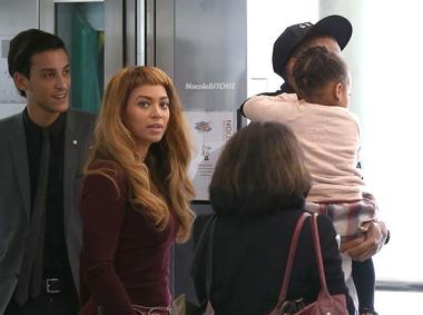 Beyonce & Family Catch A Flight Out Of Paris