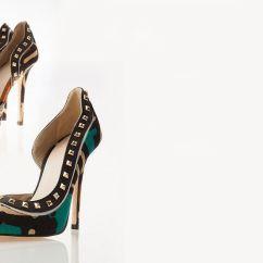 Zapatos hechos a mano Precio 390€ Tienda Ongoroongoro visitar tienda para más información.